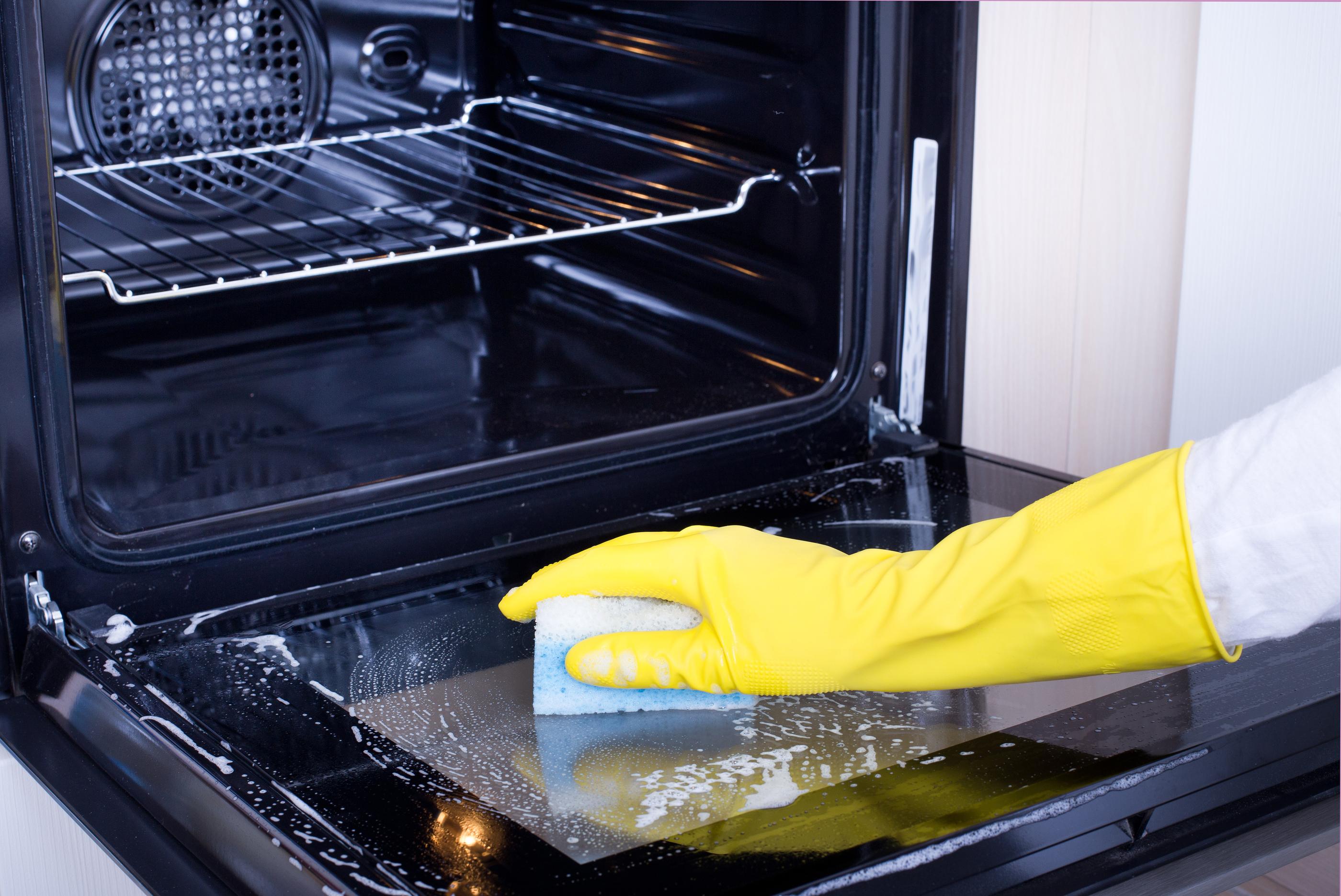 Как очистить духовку от жира и нагара 10 домашних 9
